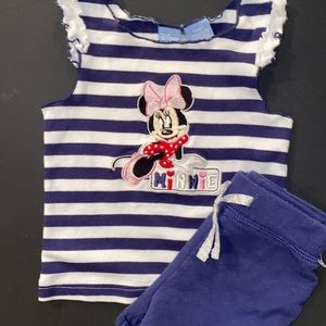 🛍Adorable Little Girls Outfit size 12 months
